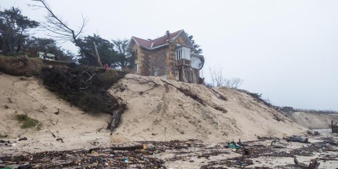 Une maison de Soulac au bord de la dune.