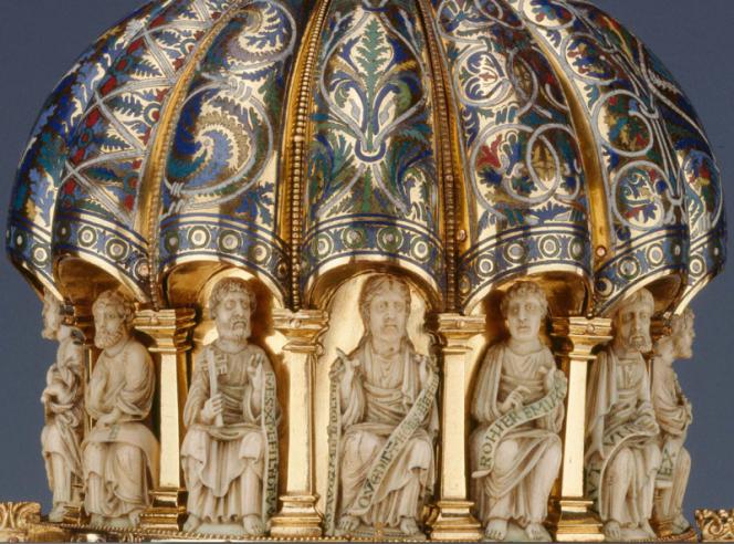 Une des quarante-quatre pièces de ce trésor d'église conservé au Musée des Arts décoratifs de Berlin.