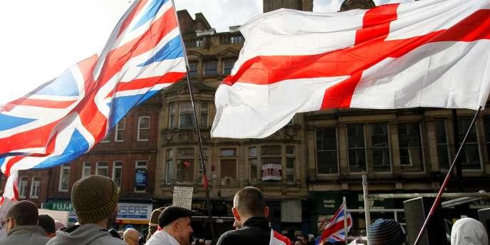 Les manifestants de Pegida UK à Newcastle, le 28 février.