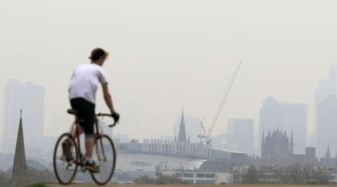 Un épisode de pollution de l'air, à Londres, en avril 2014.