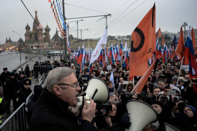 L'hommage de Moscovites à l'opposant Boris Nemtsov assassiné vendredi 27 février.