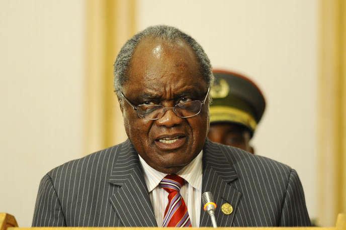 Hifikepunye Pohamba, le président sortant de la Namibie, a reçu le 2 mars 2015 le prix Mo Ibrahim pour la bonne gouvernance en Afrique.