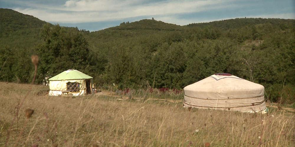 Les journalistes de la rubrique Cinéma du « Monde » n'ont pas pu voir ce documentaire consacré à de nouvelles formes d'habitat légères, nomades ou sédentaires.