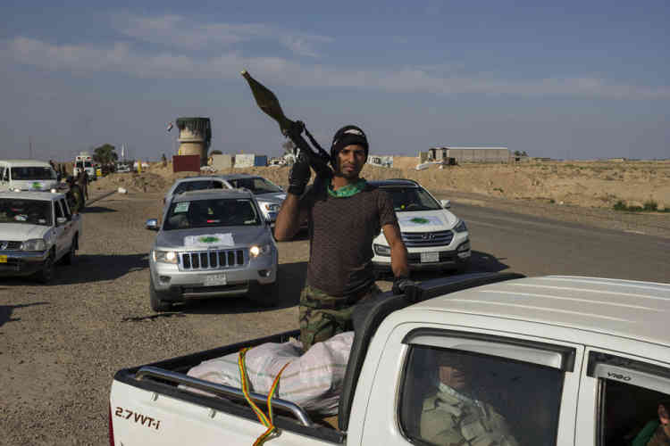Lundi 2 mars, les combattants ont quitté le village d'Owainat, dernière base avancée gouvernementale à 150 kilomètres au nord de Bagdad, pour reconquérir la ville natale de Saddam Hussein tombée aux mains des djihadistes le 11 juin 2014.