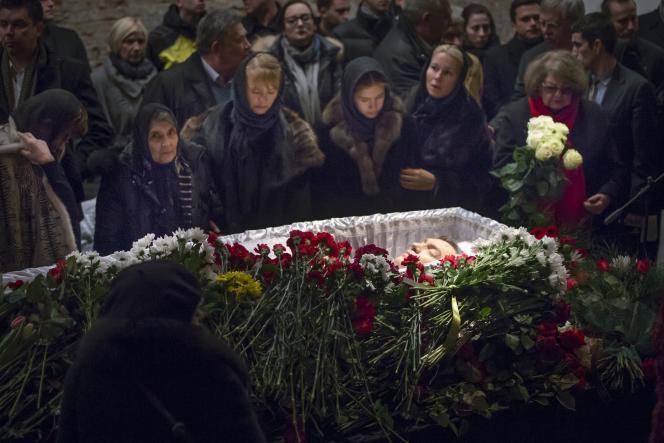 La cérémonie d'adieu à Boris Nemtsov a commencé mardi 3 mars au matin au Centre Sakharov, le musée consacré aux droits de l'homme et à l'académicien dissident soviétique Andreï Sakharov, à Moscou.