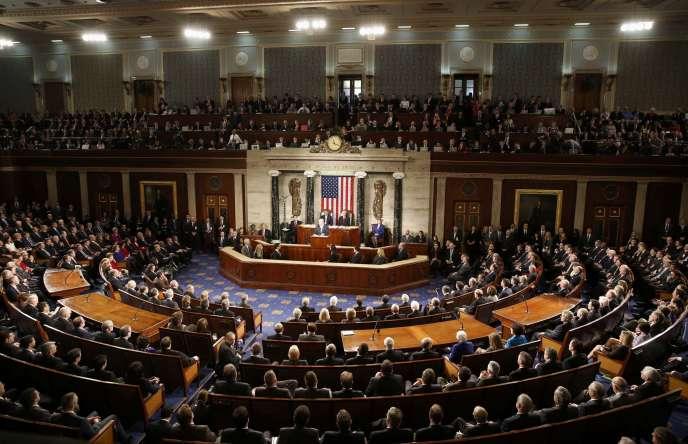 Les Américains doivent également élire au suffrage universel direct la majorité du Congrès, composé de deux chambres.