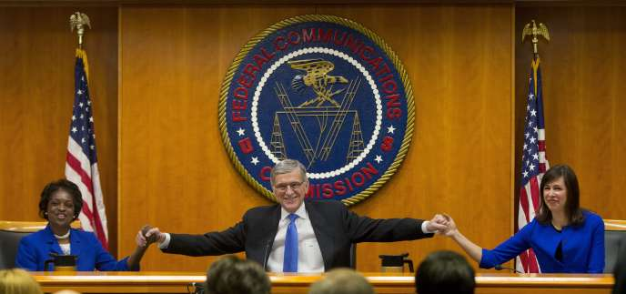 Vote à la Federal Communications Commission (FCC), l'organisme de régulation des télécommunications américain, jeudi 26 février.