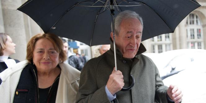 Xavière et Jean Tibéri, à la sortie de la cour d'appel de Partis, le 12 mars 2013.