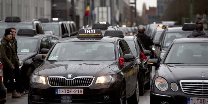Manifestation de taxis à Bruxelles mardi 3 mars 2015.