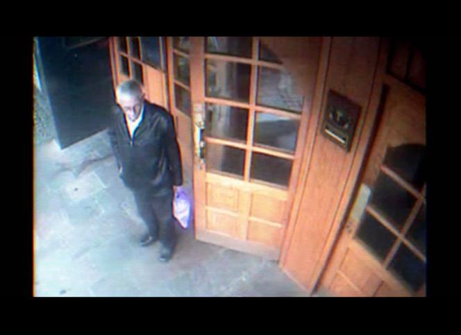 Une image de l'inconnu captée par les caméras de surveillance d'un hôtel de Sligo (Irlande), où il s'était enregistré sous le faux nom de Peter Bergmann.