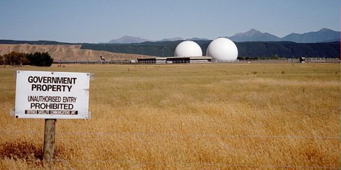 La base de Waihopai, en Nouvelle-Zélande, a été créée dans le cadre du programme de surveillance Echelon.