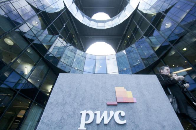 Au siège du cabinet d'audit PwC, à Londres.