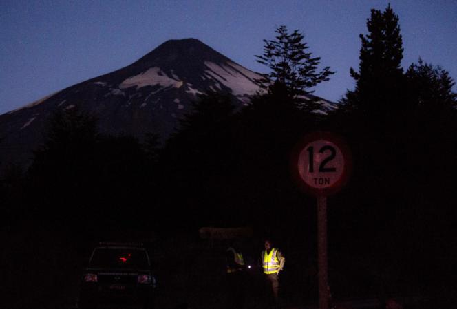 Les autorités chiliennes ont annoncé, le 6 mars, avoir « ramené le niveau d'alerte volcanique à orange ».