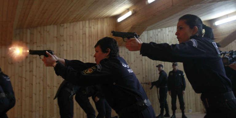 Femmes policières à l'entraînement à Alger, en mars 2013.