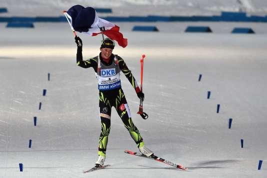 En 2015, à Kontiolahti, Marie Dorin-Habert remporte le deuxième de ses cinq titres de championne du monde, sur la poursuite.