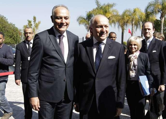 Le ministre marocain des affaires étrangères, Salaheddine Mezouar (à gauche) et son homologue français, Laurent Fabius, lors de la visite officielle de ce dernier à Rabat le lundi 9 mars.