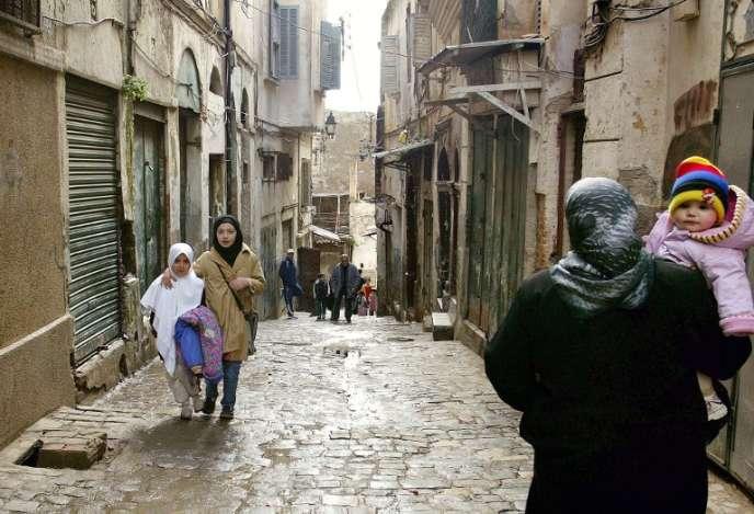 Dans une rue de la Casbah d'Alger.