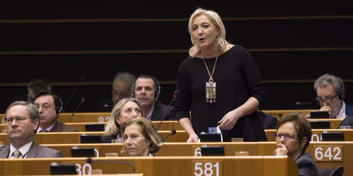 Marine Le Pen à Bruxelles, le 25 février.
