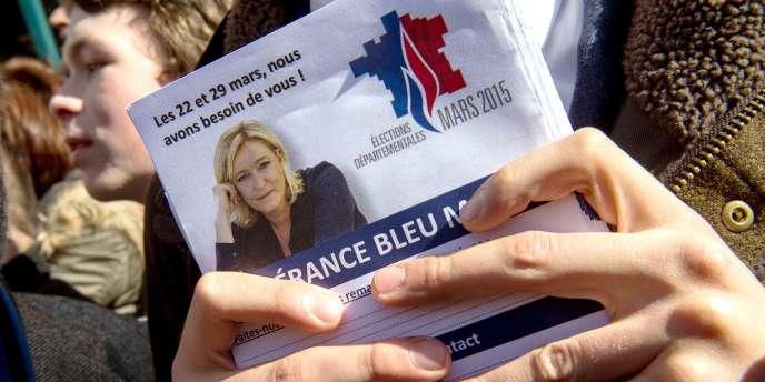 Le parti d'extrême droite a diffusé début mars un tract montrant notamment les hausses d'impôts et du chômage, avec une visualisation douteuse.