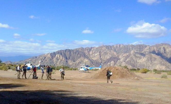Avant le décollage des hélicoptères de l'émission «Dropped», près de Villa Castelli, dans la province argentine de La Rioja.