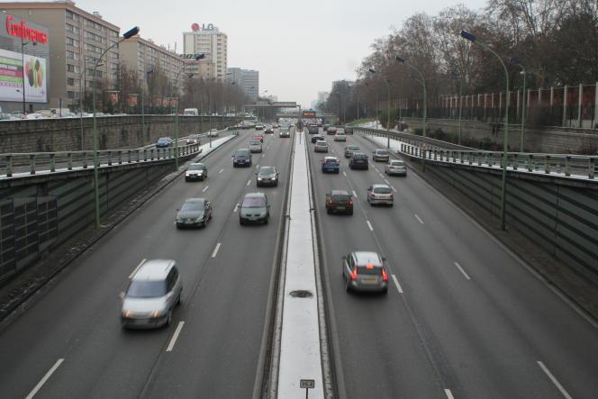 Le boulevard périphérique parisien, porte de Chatillon.