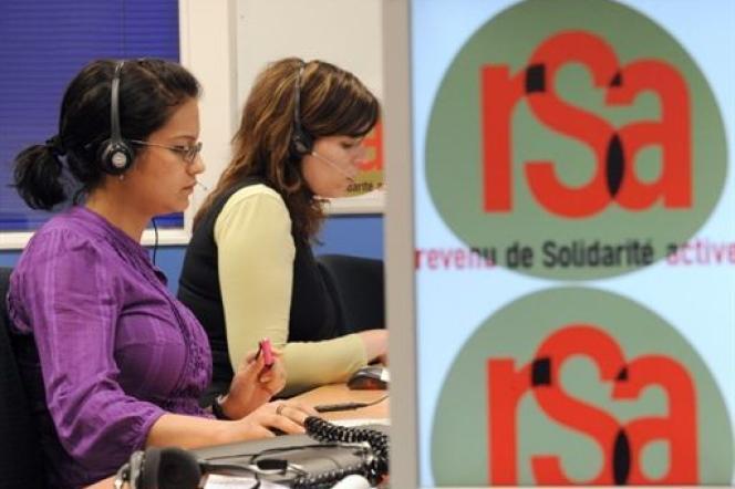 Le revenu de solidarité active (RSA) avait remplacé le revenu minimum d'insertion (RMI) en juin 2009.