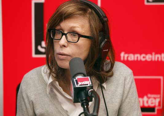 La journaliste Pascale Clark, sur l'antenne de France Inter, en avril 2012.