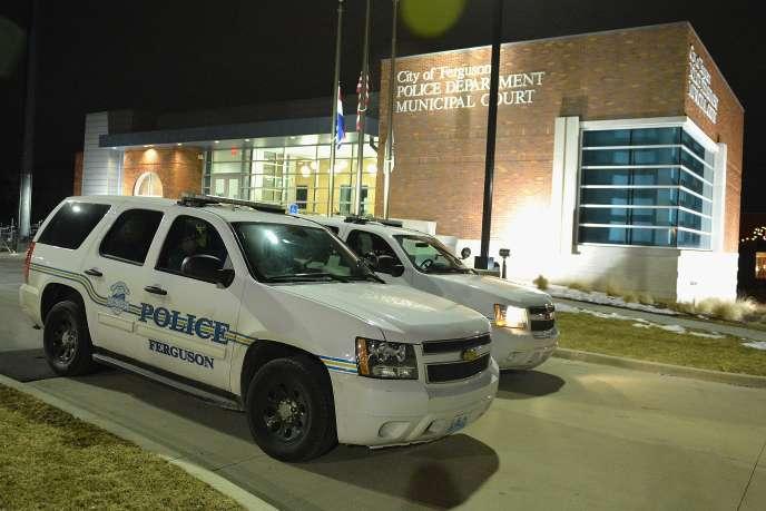 La police municipale de Ferguson a été mise en cause par un rapport du département de la justice américain.