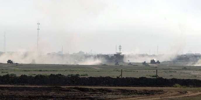Les forces irakiennes avançant vers Tikrit, le 11 mars.