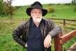 Terry Pratchett et son traditionnel chapeau.