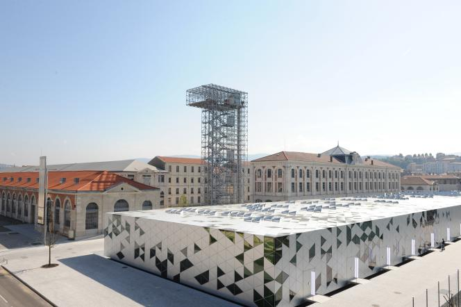 La Cité du design. Tour métallique  de l'architecte Finn Geipel, agence LIN.