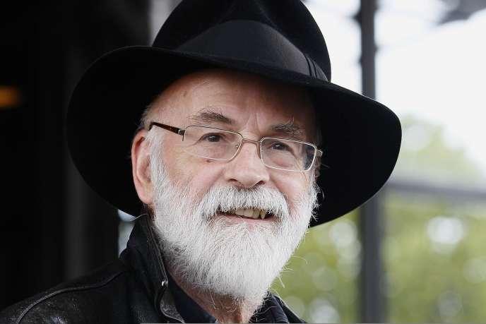 Terry Pratchett en octobre 2010 à Birmingham.