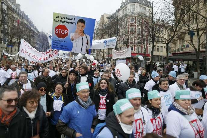 Manifestation, le 15 mars à Paris, contre le projet de loi santé.