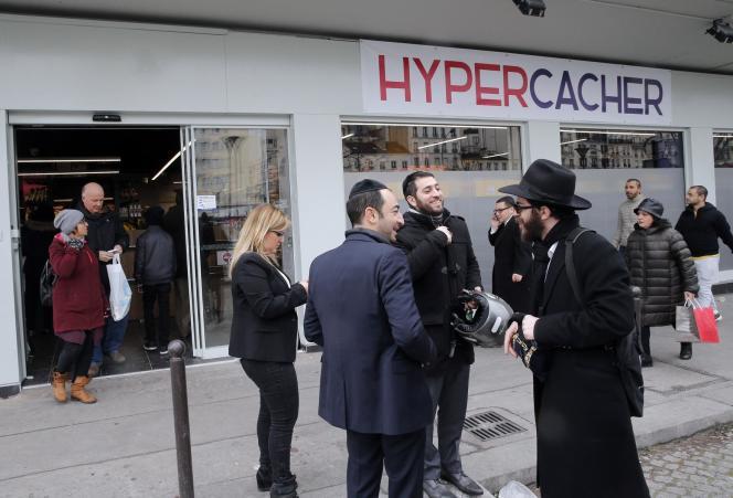 L'Hyper Casher où a eu lieu la prise d'otage a rouvert, dimanche 15 mars.