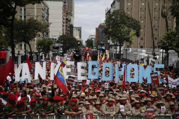 Manifestation à Caracas, dimanche 15 mars, en soutien au président vénézuélien et contre les Etats-Unis.
