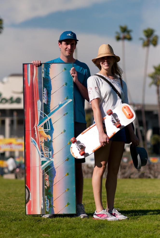 Pasadena, en 2011, Jesse et Maria Casellini ont chiné un tableau à 130 dollars et un skateboard à 20 dollars à Rose Bowl Flea Market.