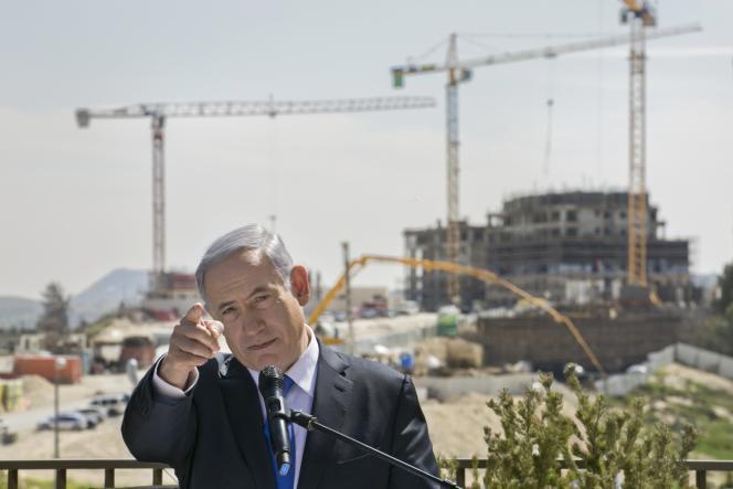 Benyamin Nétanyahou, lors d'une visite dans la colonie de Har Homa, dans le sud-est de Jérusalem, le 16mars, à la veille des élections législatives.