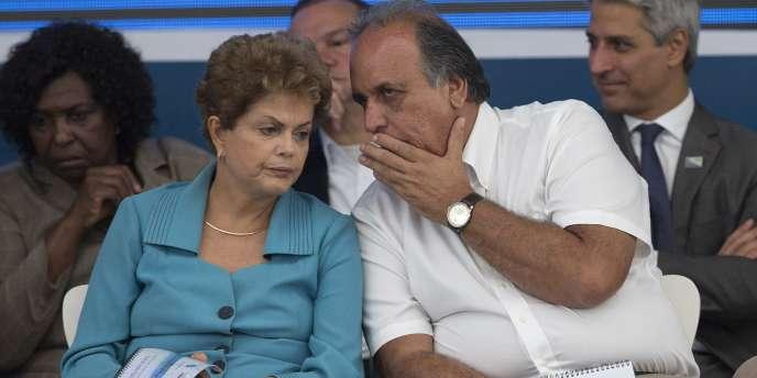 La présidente du Brésil à Rio le 12 mars. Dilma Rousseff est déstabilisée par le vaste scandale Petrobras et la récession qui guette son pays.