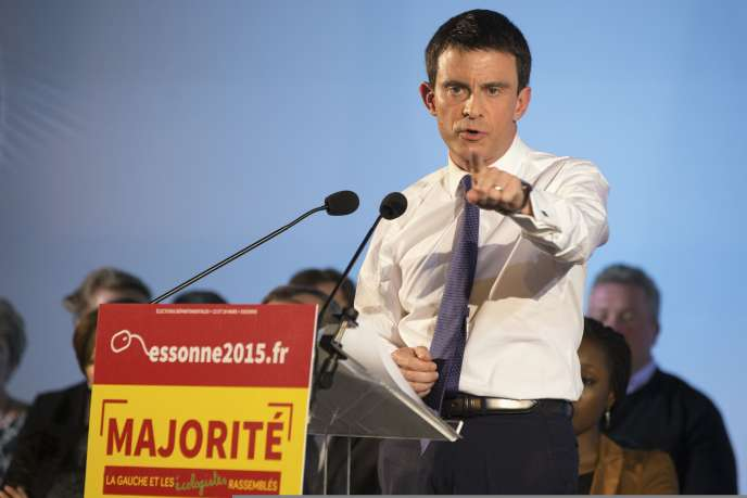 Manuel Valls dans l'Essonne, le 16 mars.