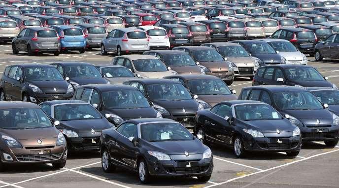 Une usine Renault à Douai, en mai 2010. Selon LMC Automative, le rythme de croissance permettrait d'atteindre, en année pleine, 13,15 millions de véhicules immatriculés, contre 12,5 millions en 2014.