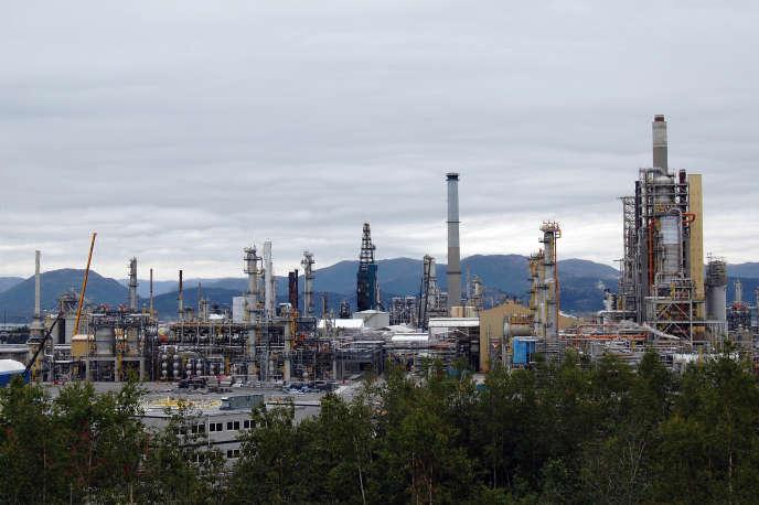 Une raffinerie pétrolière à Mongstad, en Norvège, en mai 2009.