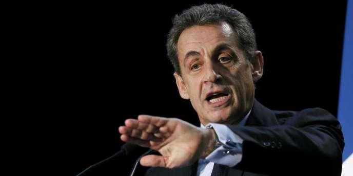Nicolas Sarkozy, en campagne pour les départementales, à Palaiseau, le 16mars.
