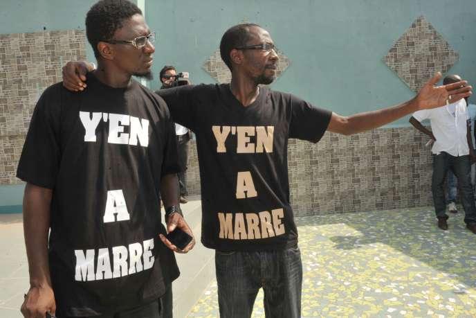 Les Sénégalais Simon Kouka et Fadel Barro, coordinateur du mouvement Y en marre, en juin 2011.