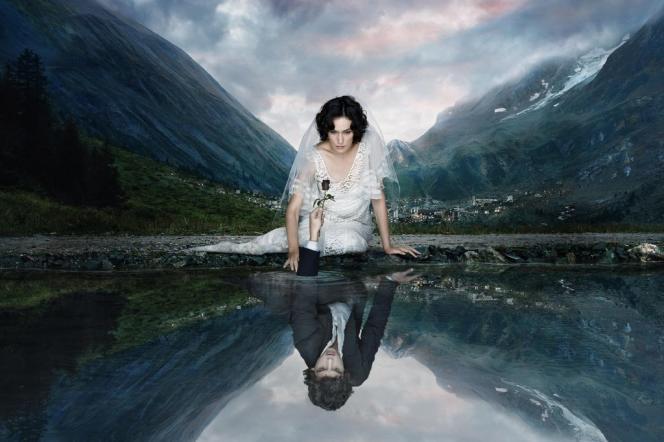 « Les Revenants », diffusée sur Canal +, a reçu le 25 novembre 2013 l'International Emmy Award de la meilleure série dramatique.
