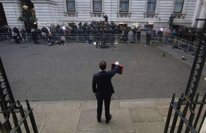 Mercredi 18 mars, George Osborne, le chancelier de l'Echiquier, s'apprête à présenter le budget du Royaume-Uni.
