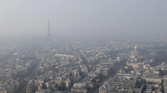 A Paris, le 18 mars, pendant un pic de pollution.