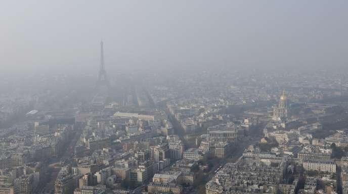 Paris, lors d'un précédent pic de pollution, le 18 mars 2015.