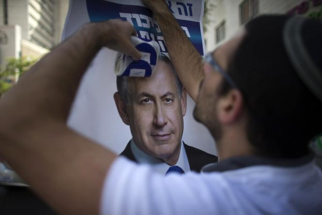 Le parti du premier ministre israélien, le Likoud, a remporté 30 sièges, contre 24 pour le centre gauche d'Isaac Herzog, mardi 17 mars.