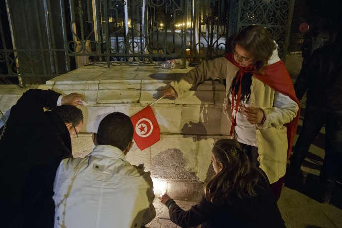 A l'entrée du Musée national du Bardo, à Tunis, le 18 mars.