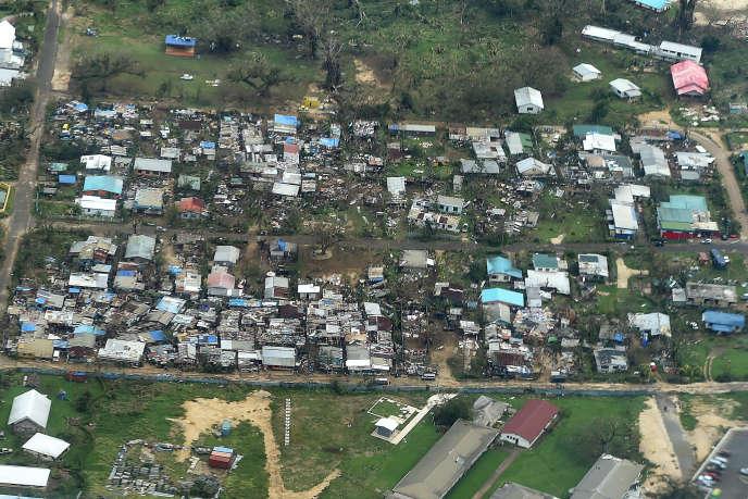 Vue aérienne de Port-Vila, la capitale du Vanuatu, le 16 mars, après le passage du cyclone Pam.